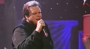 Not One Dry Eye Was Left In The House When Meat Loaf Gave This Stellar Performance In 1995