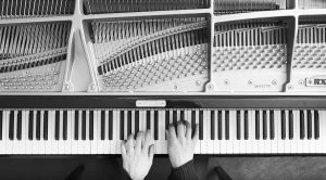 """This Guy Plays Pink Floyd's """"Breathe"""" On Piano And No Pun Intended, It's Breathtaking"""