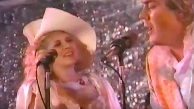 29 Years Ago: Stevie Nicks Rocks Mick Fleetwood's Wedding With Off The Cuff Sam Cooke Cover | Society Of Rock Videos