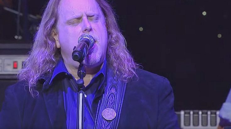 "Warren Haynes Dazzles With ""That Smell"" In Brilliant, Bluesy Salute To Lynyrd Skynyrd 