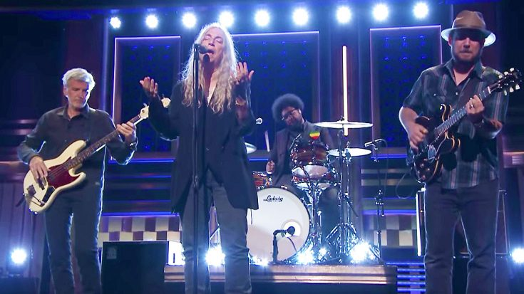 Patti Smith Hits The Tonight Show With An Epic, Rallying Performance of Her Classic 'People Have The Power' | Society Of Rock Videos