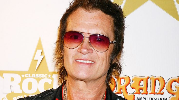 Report: Glenn Hughes Escorted Off Stage By Paramedics During Concert In New Zealand | Society Of Rock Videos