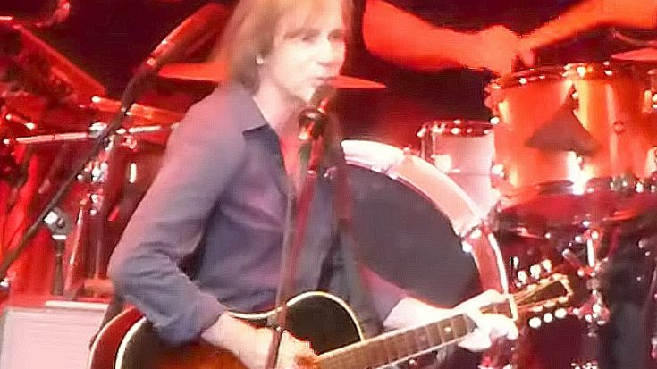 "Jackson Browne Delivers Poignant, Impossibly Sweet ""Melissa"" Tribute To Late Legend Gregg Allman 