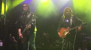 Breaking: Gene Simmons And Ace Frehley Reunite For The First Time In 16 Years