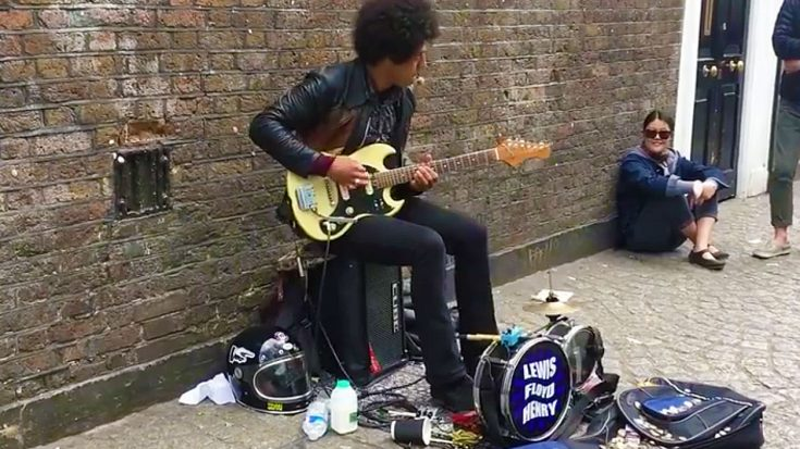 One Man Band Plugs In On A Busy Sidewalk – What Happened Next Turned Him Into A Viral Sensation