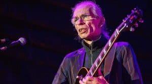 Breaking: Yes Guitarist Steve Howe Suffers Heartbreaking Tragedy