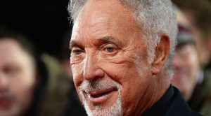 Tom Jones Postpones Tour – Health Issues Are Of Concern