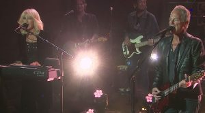 Lindsey Buckingham & Christine McVie Deliver The Goods On TV With An Upbeat Performance!