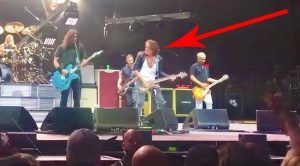 Aerosmith's Joe Perry Returns To Cal Jam For Historic 'Draw The Line' Performance With Foo Fighters!