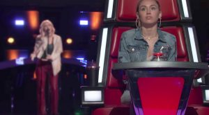 """Miley Cyrus Doppleganger's """"The Chain"""" Cover Sends 'Voice' Judges Scrambling To Pick Her First"""