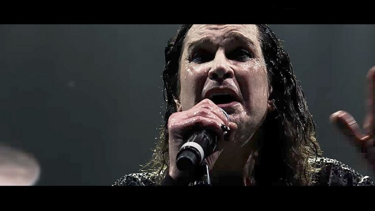 "Minutes Before Retiring, Black Sabbath Emotionally Play ""Paranoid"" One Last Time…"