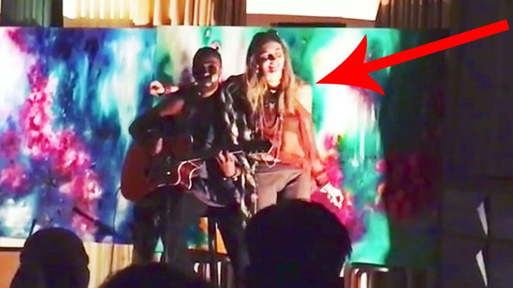 Camera Catches Michael Jackson's Daughter, Paris Jackson, Singing, & She Sounds Exactly Like Her Dad! | Society Of Rock Videos