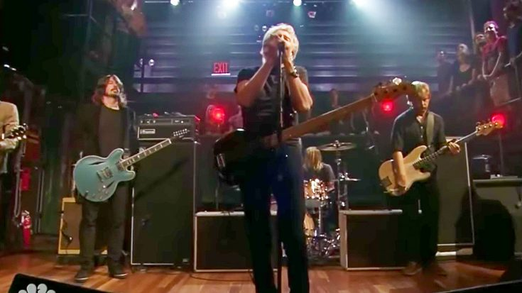 Roger Waters Joins The Foo Fighters For Thrilling Cover Of 'In The Flesh?', & It's Too Good For Words!