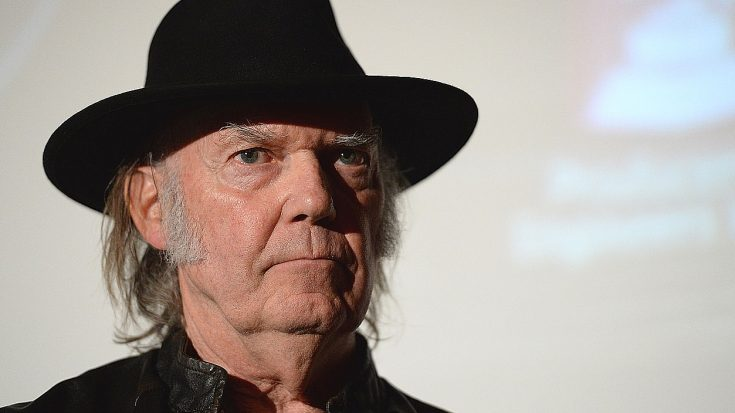 Neil Young Just Stood Up To One Of Music's Biggest Threats – You Won't Help But Love Him | Society Of Rock Videos