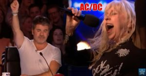 68 Year Old Gets Whole Crowd Singing AC/DC- Even Simon Rocks Out