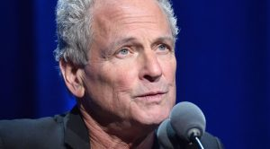 Lindsey Buckingham Breaks His Silence Just One Month After Being Fired From Fleetwood Mac