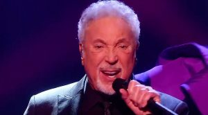"Tom Jones Gets To Sing ""Come Together"" On 'The Voice' And Ends Up Completely Stealing The Show"