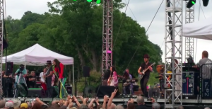 """Steven Tyler Rocks Lewiston With Stunning Live Performance of """"Sweet Emotion"""""""