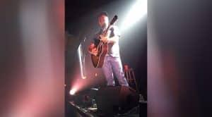 Aaron Lewis Leaves Crowd On The Verge Of Tears With Emotional Tribute To Vinnie Paul