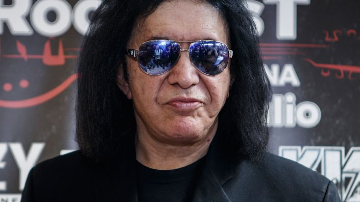 Gene Simmons Does Incredible Act Of Kindness For Late Friend's Grieving Family | Society Of Rock Videos