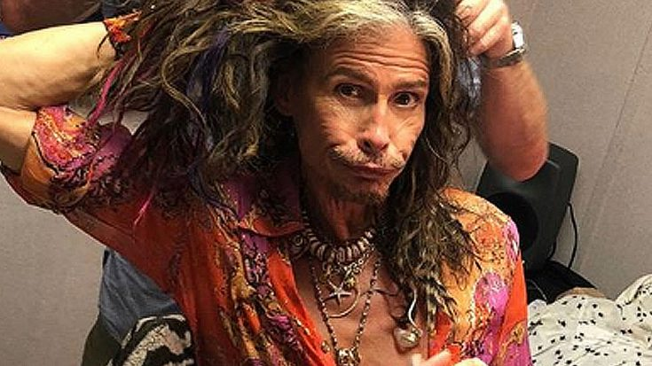 This Photo Of Steven Tyler Getting Dolled Up Backstage Is Raising Some Pretty Hilarious Questions | Society Of Rock Videos