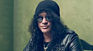 With One 58 Second Long Clip, Slash Just Sent The Rock World Into A Frenzy