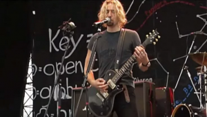 Jaws Dropped When Nickelback Decided To Randomly Cover Metallica – And They Killed It