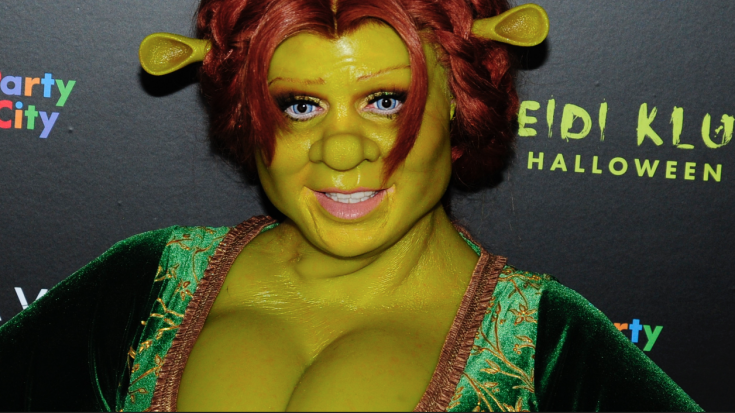 Your Favorite 'America's Got Talent' Judge Dressed As Shrek's Princess Fiona And Won Halloween | Society Of Rock Videos