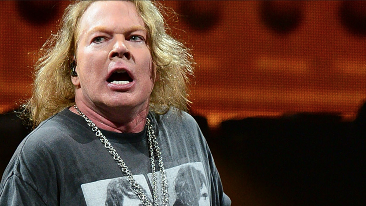 Axl Rose Gets Violently Sick Before Show – Does Something His Bandmates Have Never Seen Before | Society Of Rock Videos