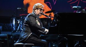 Elton John Cancels Concert After Sudden Health Problem Occurs