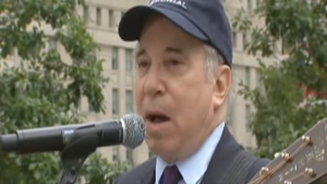 "Paul Simon Moves Crowd To Tears At Ground Zero With Touching Performance Of ""Sound Of Silence"""