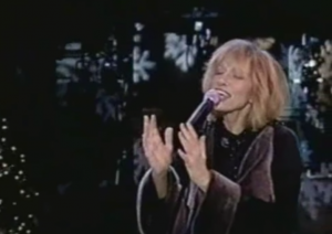 "Carly Simon Re-Writes ""I'll Be Home For Christmas"" For Children of Divorce"