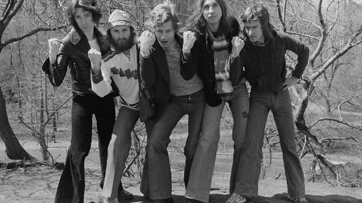 Genesis Lands In The US With A Hit Just For The Ladies | Society Of Rock Videos