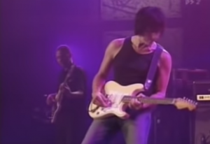 "Jeff Beck's ""A Day In The Life"" Demanded A Standing Ovation And Encore"