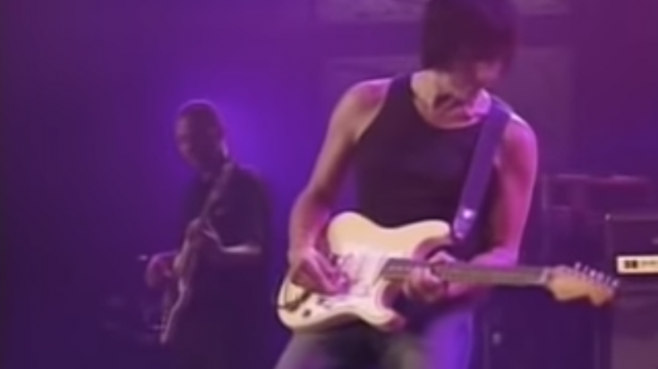"Jeff Beck's ""A Day In The Life"" Demanded A Standing Ovation And Encore 