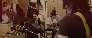 "MÖTLEY CRÜE Teases A Cover Of ""Like A Virgin"" With A Touch Of Metallica"