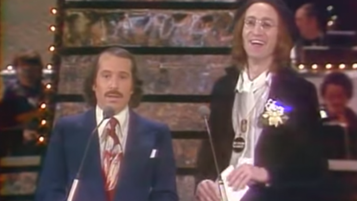 Paul Simon and John Lennon at The Grammy Awards Were Total Hilarity | Society Of Rock Videos