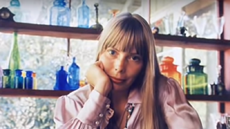 Joni Mitchell Will Reissue 1971 Rare Book Of Handwritten Lyrics – Only 100 Copies Were Made