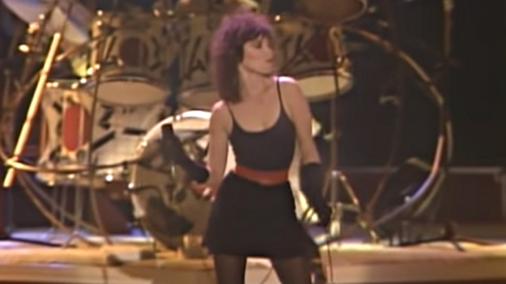 "Pat Benatar's ""Hit Me With Your Best Shot"" Was Inspired By A Weird Bio-Energetics Session 