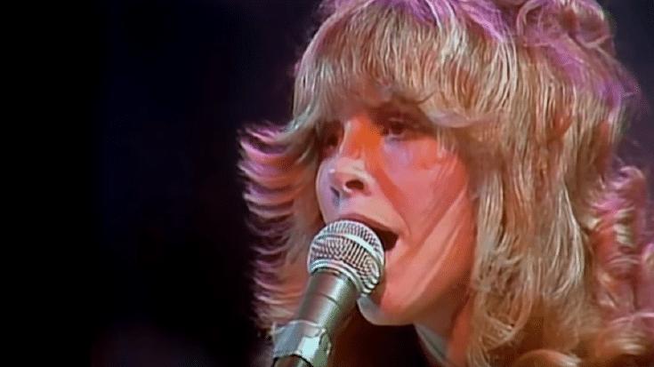 The 10 Best Rocks Songs By Women Rock Legends | Society Of Rock Videos