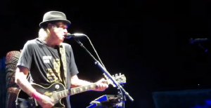 Watch Neil Young Play Rare Track From 1974 For The First Time Again After 16 Years