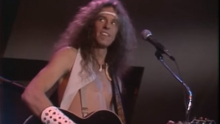 """Ted Nugent Rocks Out To """"Cat Scratch Fever"""" In Midnight Special 1978 