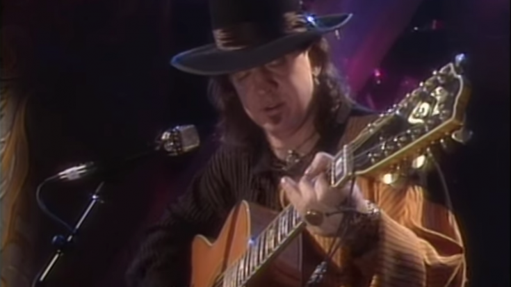 "1990: Stevie Ray Vaughan Goes Live On TV And Performs ""Pride And Joy"" Unplugged 