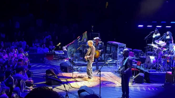 """Watch Eric Clapton End His Show Covering """"Purple Rain""""   Society Of Rock Videos"""