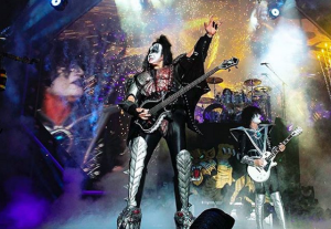 Gene Simmons Undergoes Kidney Stones Surgery