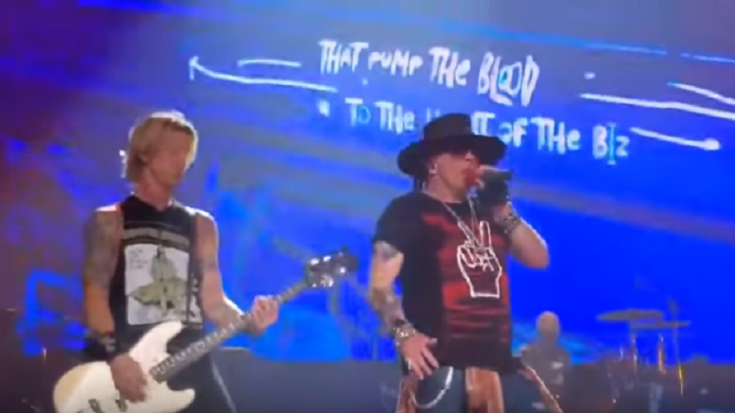 "Guns N' Roses Perform ""Locomotive"" Again After 27 Years 