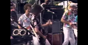 1985: Jimmy Page Plays A Surprise Gig With The Beach Boys