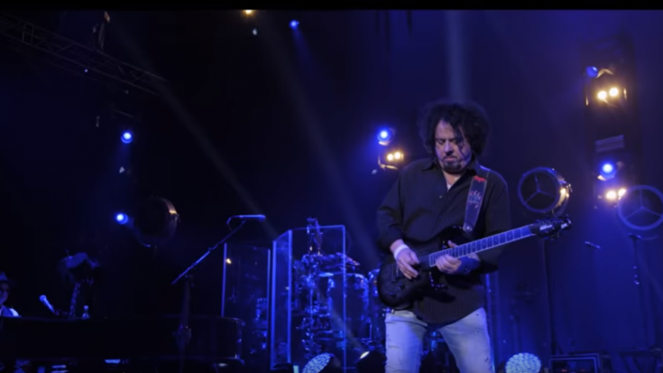 """Toto Release """"Dune (Desert Theme)"""" From Their Concert Film"""