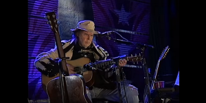 """Neil Young Leaving Facebook Because Of """"False Information"""" To The Public"""
