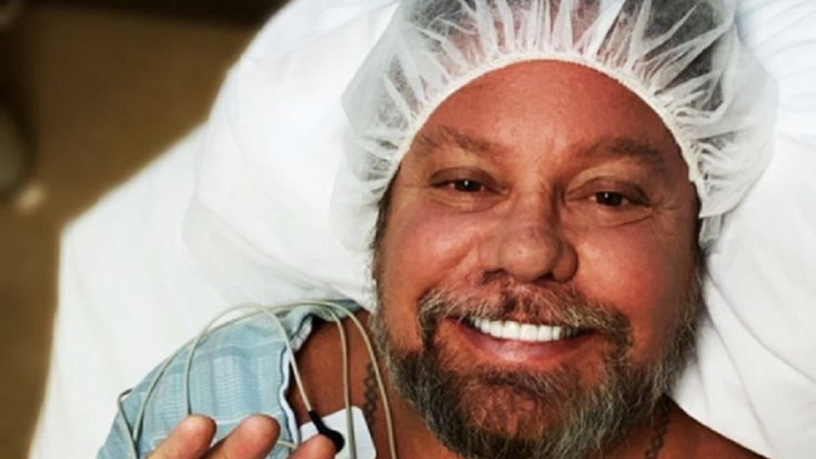 Mötley Crüe's Vince Neil Underwent Hand Surgery | Society Of Rock Videos